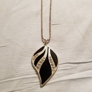 Jewelry - Black & Silver Leaf Shaped Necklace